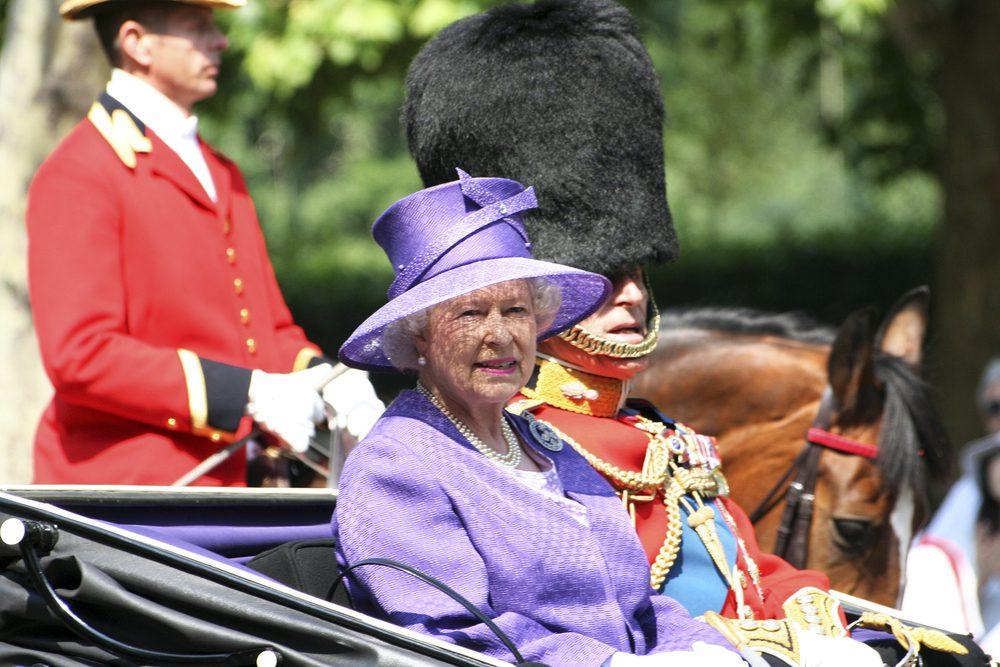 Βασίλισσα Ελισάβετ: Οσα χρεάζεται να ξέρετε για τα εντυπωσιακά της καπέλα!