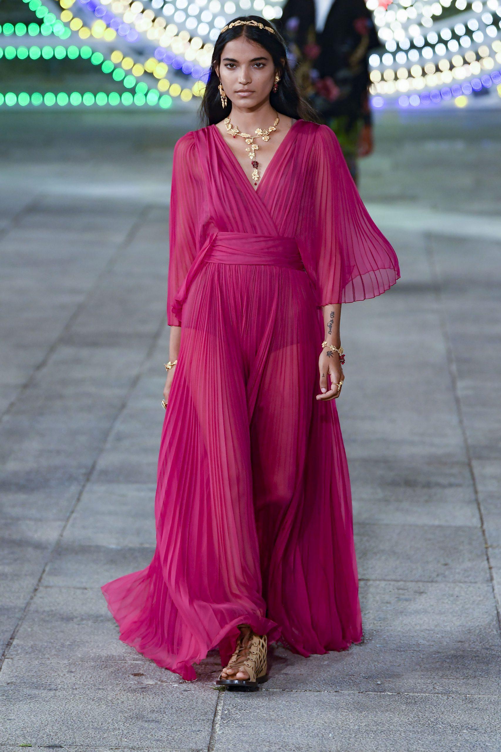 Dress Code: Αυτά είναι τα ωραιότερα φορέματα της Άνοιξης