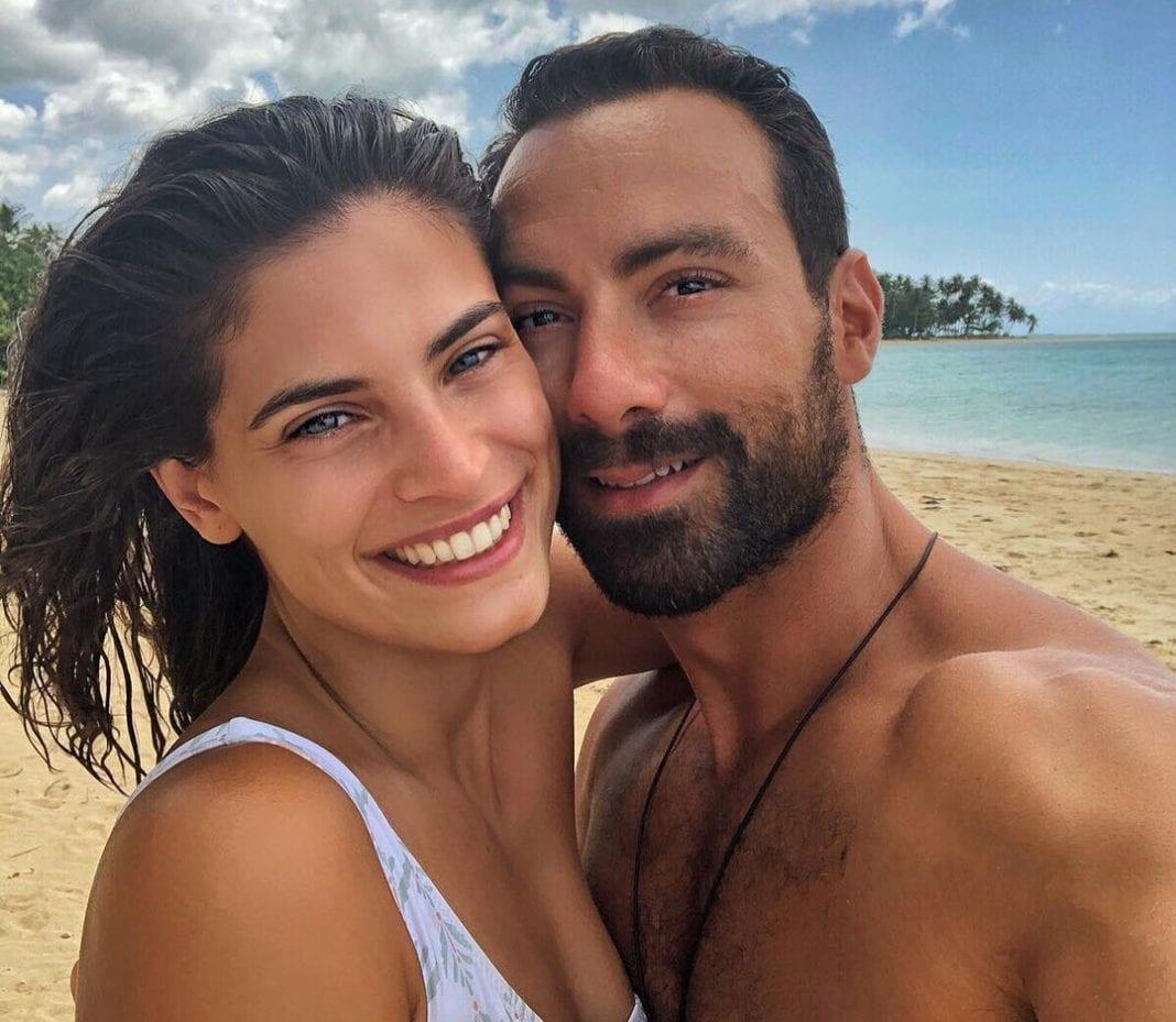 Χριστίνα Μπόμπα-Σάκης Τανιμανίδης: Οι πρώτες διακοπές με τα δίδυμα κοριτσάκια τους!