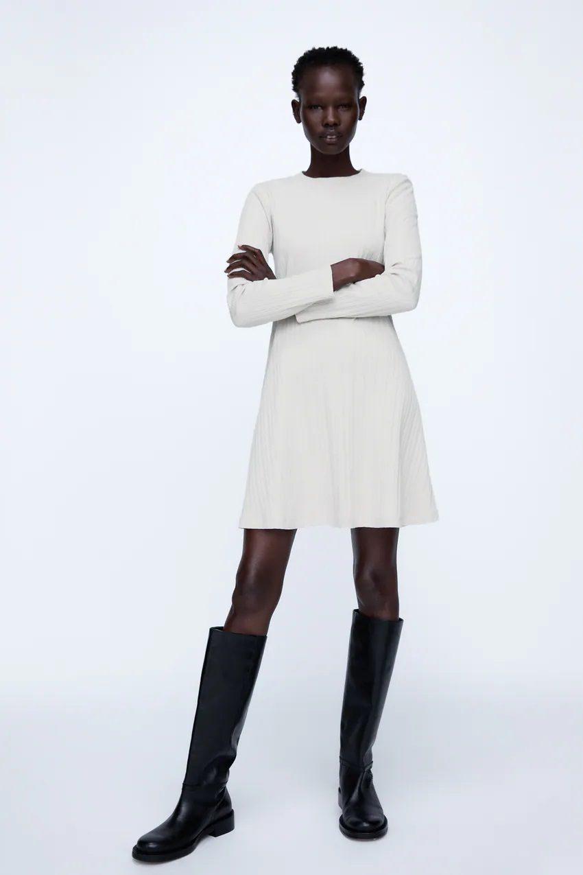 Little White Dress: Αυτά είναι τα ωραιότερα Zara λευκά φορέματα και κοστίζουν κάτω από 15 ευρώ