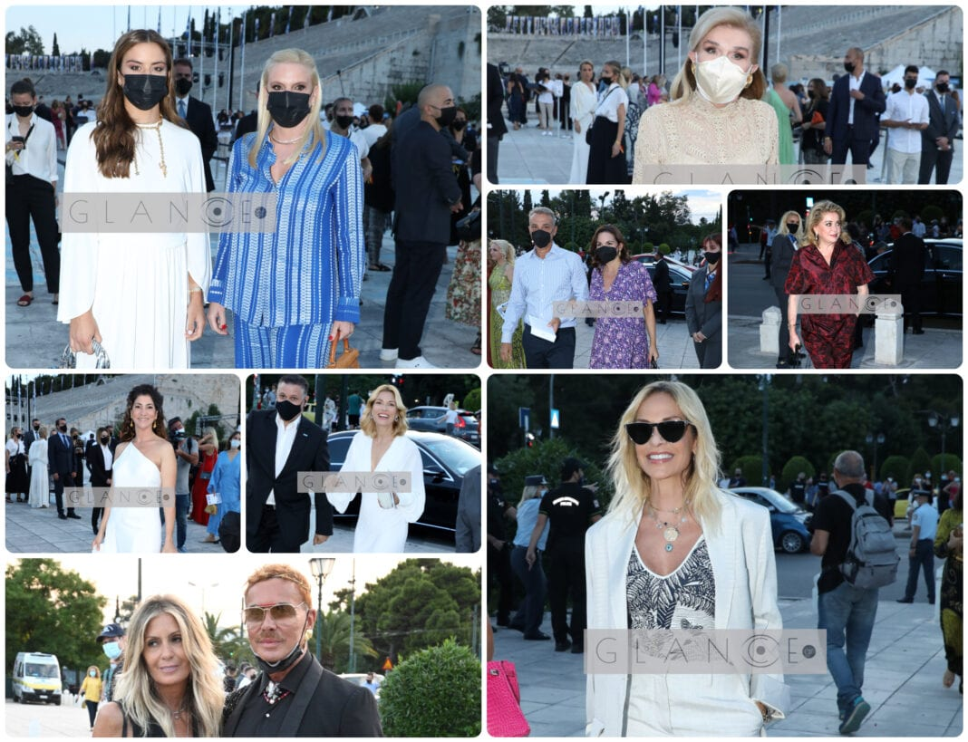 Επίδειξη Dior: Οι εντυπωσιακές εμφανίσεις και οι λαμπερές παρουσίες