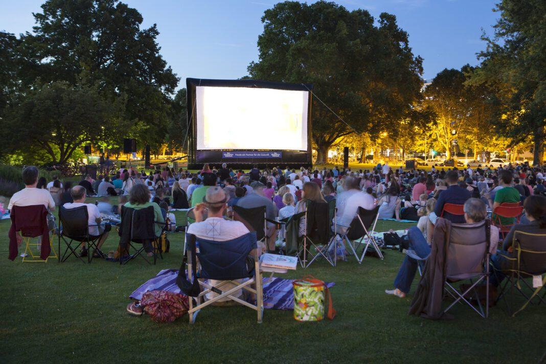 Προβολές παιδικών ταινιών στα πάρκα και τις πλατείες του Δήμου Περιστερίου (25 και 26/07)