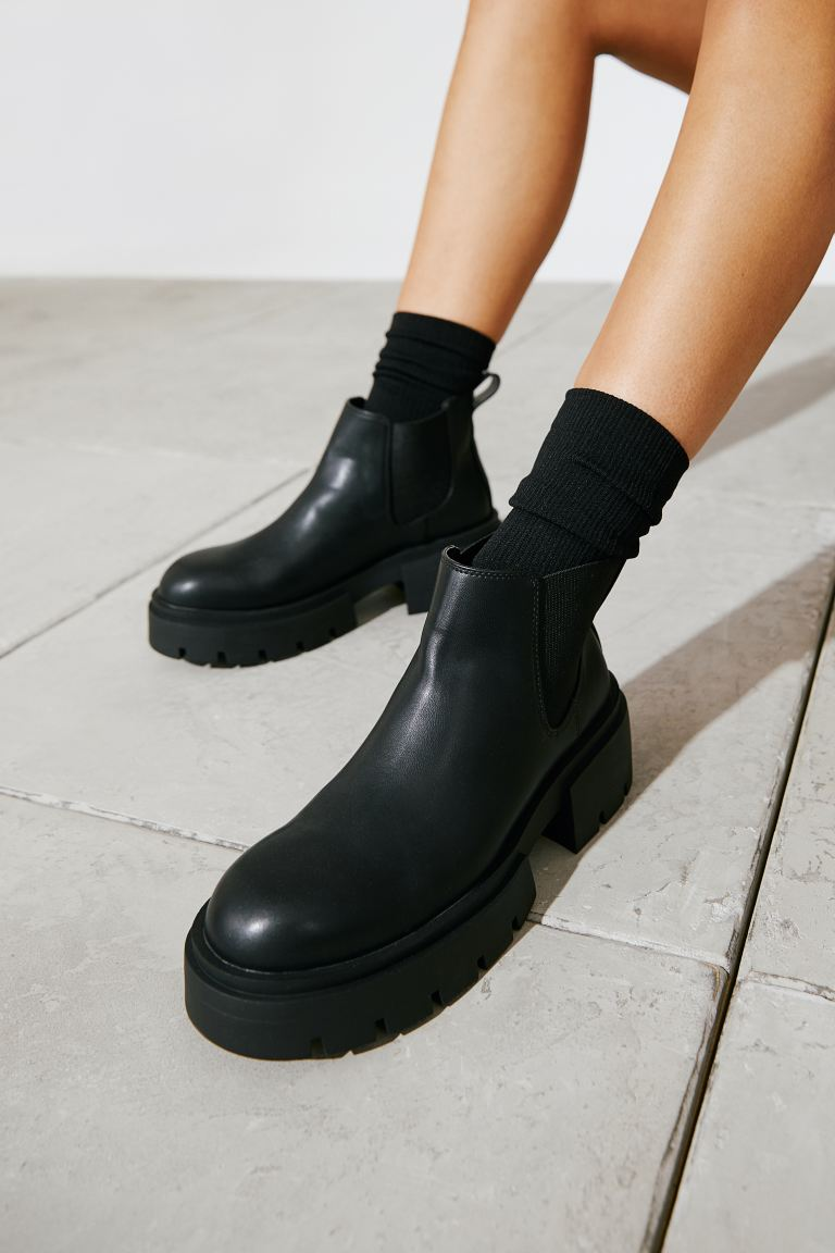Ankle boots: Tα πιο στιλάτα Η&M μποτάκια κοστίζουν κάτω από 35 ευρώ