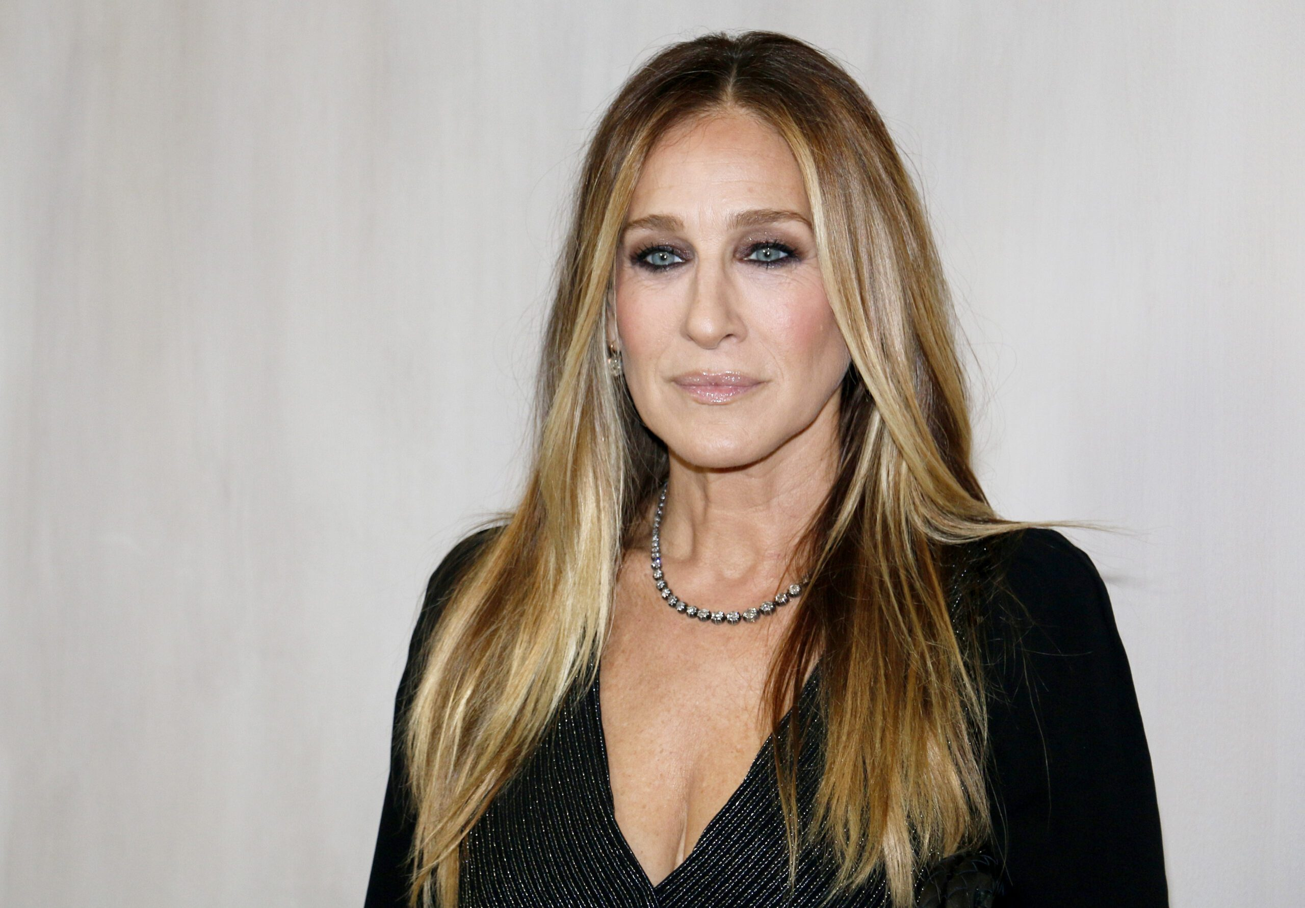 Sarah Jessica Parker Nude and Sexy Photo and Video